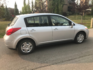 2011 Nissa Versa Auto 1.8 S 5DR **WINTER TIRES INCLUDED**