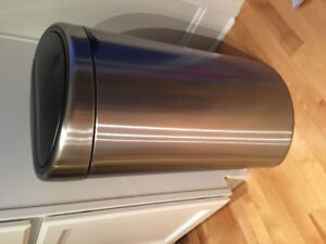 Stainless steel 40-45 L trash can * LIKE NEW *