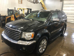 2008 Chrysler Aspen fully load low kms  7-passenger, Very clean!