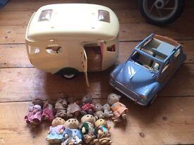 Sylvanian Caravan, Car and Families