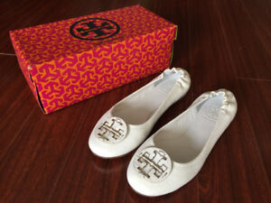 f3a42bca63bd Tory burch white ballet flats size 7 - excellent condition
