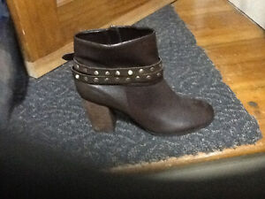 Brand new brown ankle boots 8.5