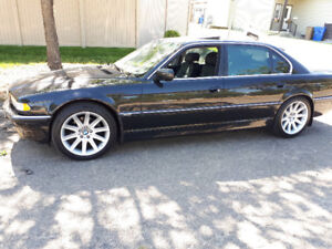 2001 BMW 7-Series 740iL Sedan