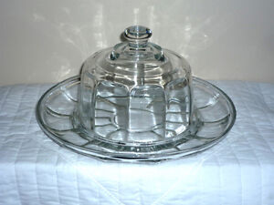 Glass Covered Appetizer,Cheese, Dip, Hor'dourve Dish Cambridge Kitchener Area image 1