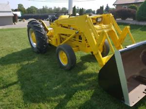 Massey Ferguson 3165 Industrial Loader Tractor