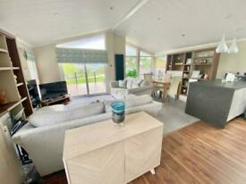 STUNNING 3 BEDROOM LODGE FOR SALE ON A PRIME PLOT AT HUNTERS QUAY, ARGYLL