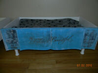 CAT OR DOG BED DISTRESSED