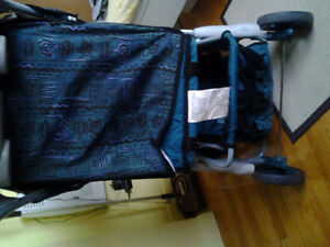 Stroller in excellant condition for sale. West Island Greater Montréal image 4