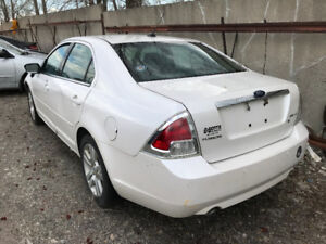 2009 Ford Fusion **FOR PARTS** (inside & outside)