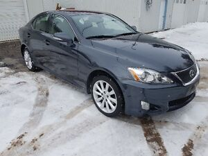 2010 Lexus IS awd Berline