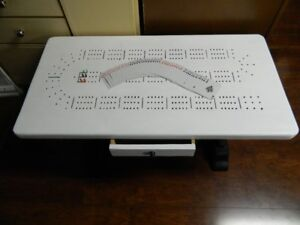 A NICE CRIBBAGE GAME COFFEE TABLE