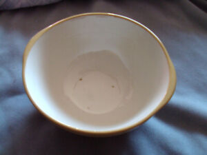 ANTIQUE/VINTAGE TG GREEN GRIPSTAND BOWL