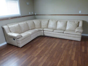 Leather Sectional Hide-a-bed/Recliner