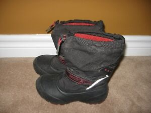 BOOTS SIZE 12 ECELLENT CONDITION