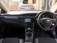 Toyota Auris 1.2T ( 114bhp ) Design + NEW SHAPE + LOW MILES + ESTATE