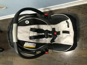 Graco Baby Car Seat for Sale