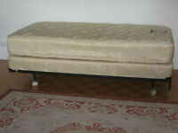 Selling a twin bed mattress for 200 Sca