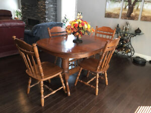 Solid Ash Dining Room Set uncluding 8 chairs