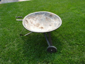 Fire Pot, Portable on wheels, 28 inch, Very sturdy