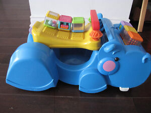 voiturette/trotteur fisher price comme neuf!
