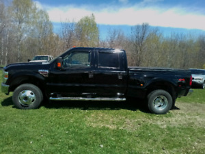 2008 F350 Lariat 4x4 Dually Safetied