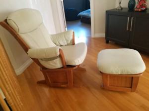 Dutailier chaise berçante et repose pied
