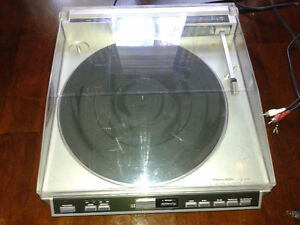 Realistic LAB-2100 turntable (record player) Kitchener / Waterloo Kitchener Area image 1