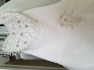 GORGEOUS  embellished Wedding dress
