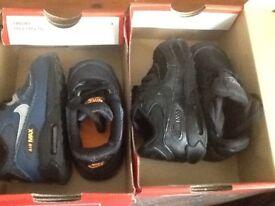 2x pairs of airmax