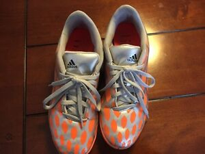 Girls Soccer Shoes Size 8.5 London Ontario image 1