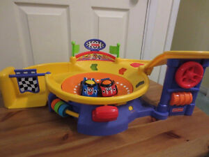 Fisher-Price Lil' Zoomers Spinnin' Sounds Speedway & Car