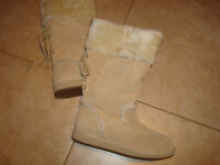 GUESS BOOTS NEW
