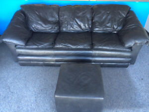 Black leather couch & loveseat (+ ottoman)