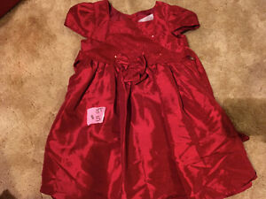 Girls 3T clothing- great Christmas dresses!