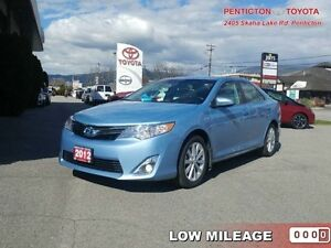 2012 Toyota Camry Hybrid   -  TOUCHSCREEN -  BLUETOOTH - Low Mil