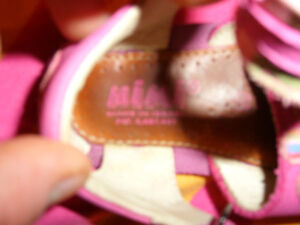 Good Quality Girl's Sandals (Mimi) - size 19 (approx size 3.5-4) Kitchener / Waterloo Kitchener Area image 2