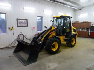 2014 JCB 409 Loader ( Ready for the snow)