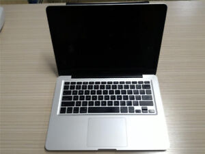 Macbook Pro 13 inch 2.0 GHZ 4GB 250GB HDD LOTS OF SOFTWARES!