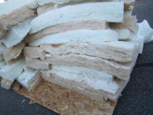 Lot de Laine isolante 6 pouces approx plus de 40 mcx et 3 ou 4 f