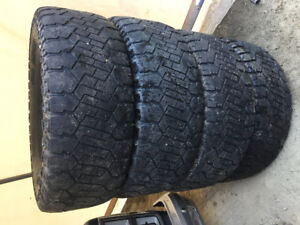 "35"" Dick cepek m/t tires"