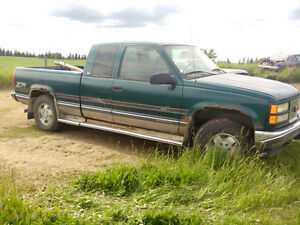 Parting out a 1996 GMC 1500 4x4 5.7 Litre auto