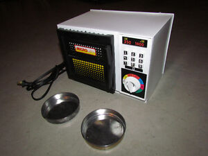 Vintage Micro-Lite Toy Oven For Sale Cornwall Ontario image 1
