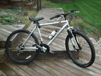 21 SPD. RALEIGH  MOUNTAIN BIKE  MADE IN CANADA EXCELLENT CONDITI