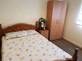 Double Bedroom in Ground Floor Flat