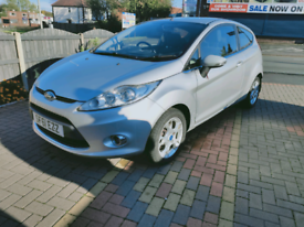 FORD FIESTA 3dr - Low Mileage - New Brake disc/Pads