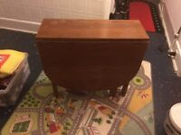 Traditional solid drop side table