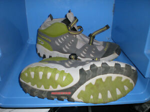 SALOMON HI TECH CROSSTRAINER sz 11 as new