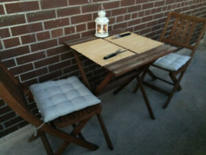 Outdoe dining table with 2 chairs