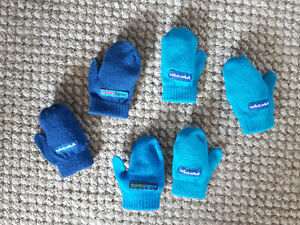Selling as lot - mittens for toddlers - 2 $ for the lot