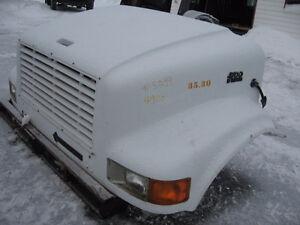 1998 - International 4900 - Hood